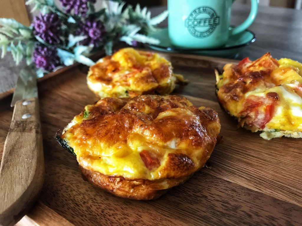 low carb egg muffins with mozzarella