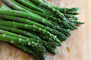 add Asparagusto your keto diet